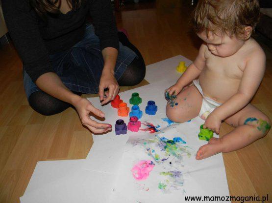 Pełna fascynacja malowaniem farbami